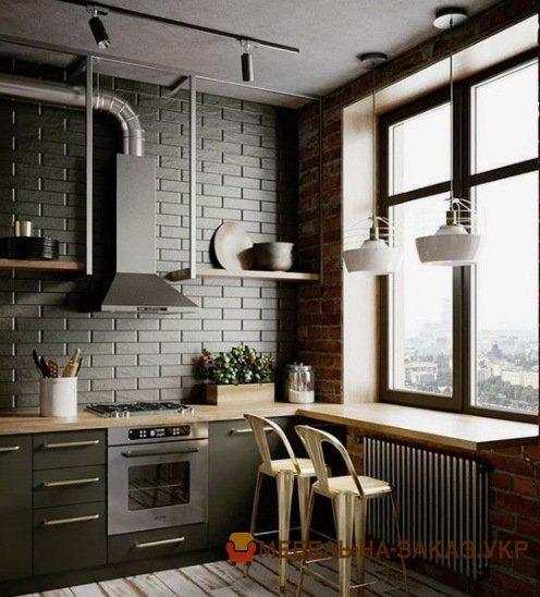 сочетание подоконника со столешницей кухни