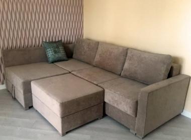 заказать угловой диван с пуфом для гостиной