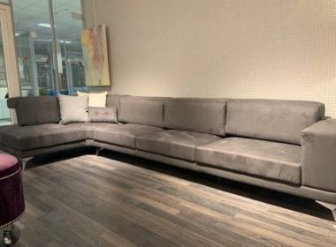 модульная угловая мягкая мебель в гостиную с подушками под заказ