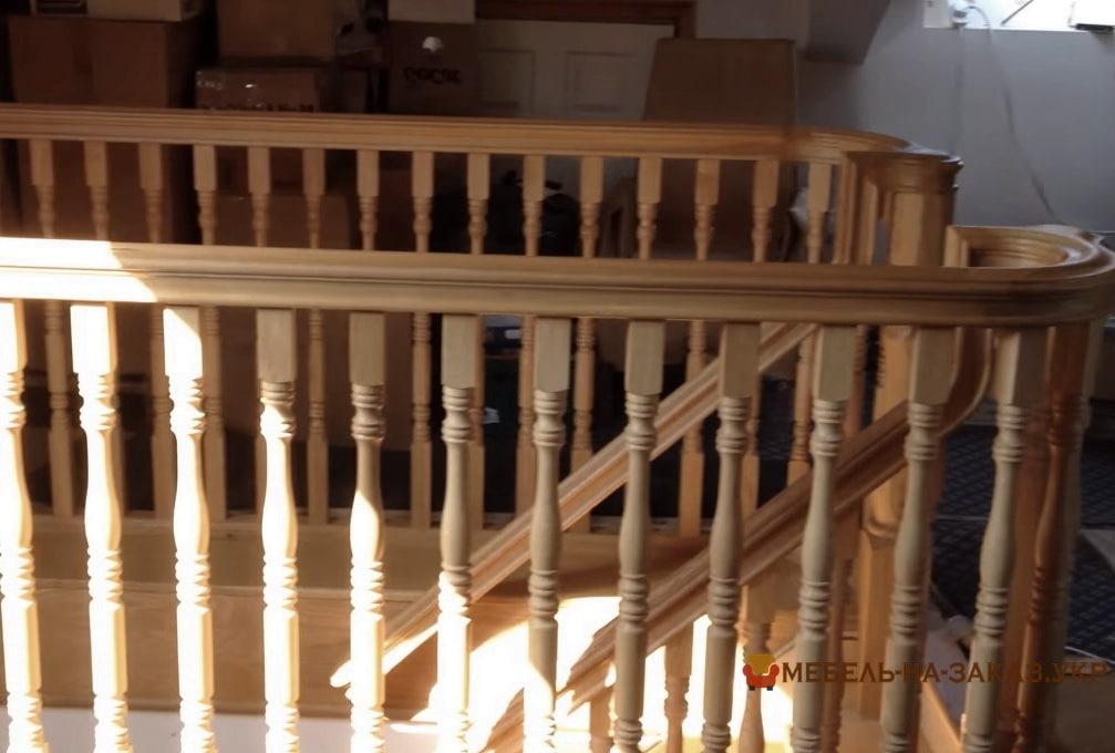 заказать изготовление лестницы в дом