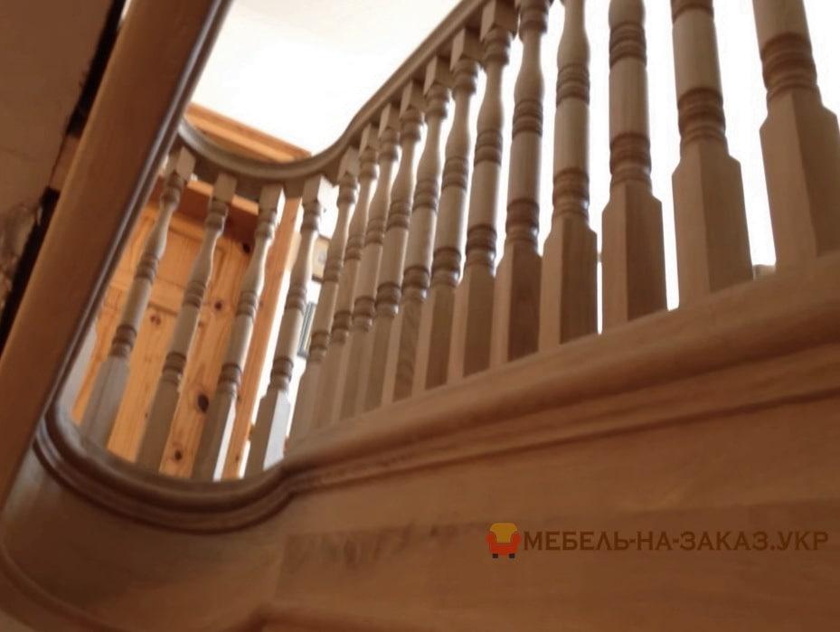 вариант лестниц из дерева