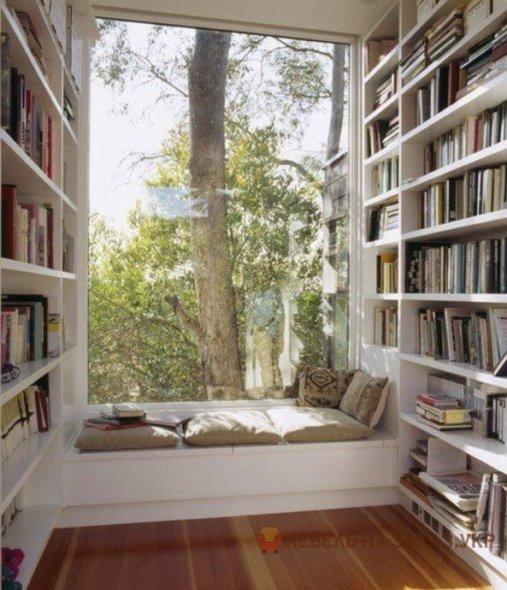 подоконник диван библиотека идеи