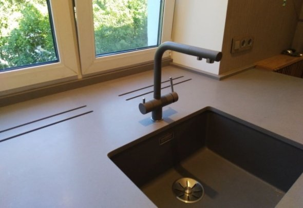 кухонная Подоконник-Мойка из камня на заказ