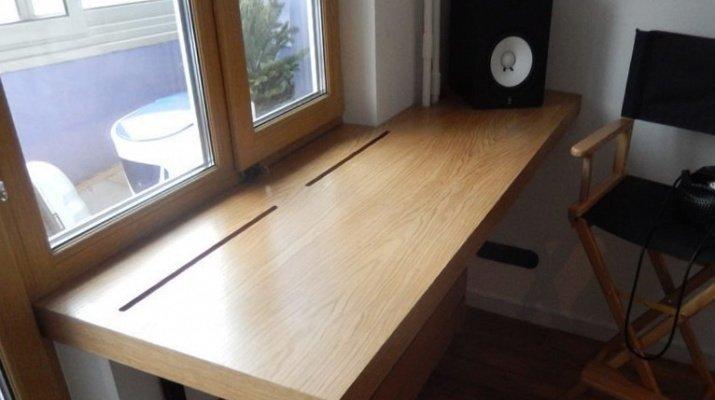 рабочий стол подоконник в кварите