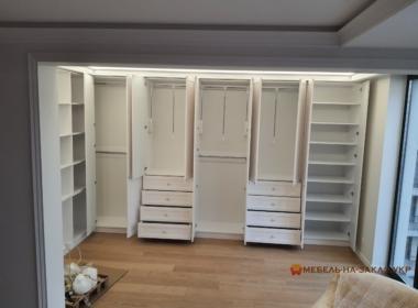 Гадреробный шкаф