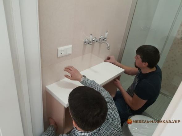 мебель из влагостойких материалов в ванную под заказ Киев
