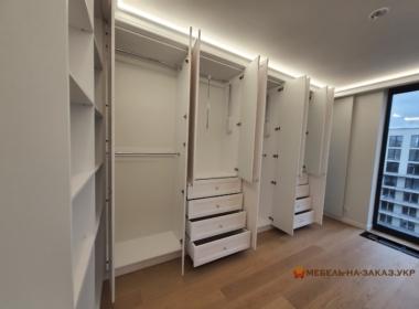 большой гардеробный шкаф на заказ Киев