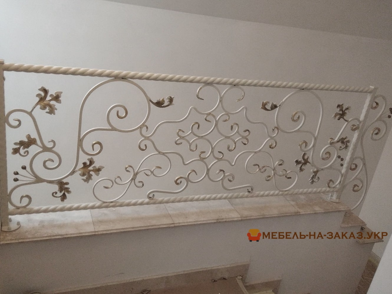 Кованные перила из металла для лестницы на заказ