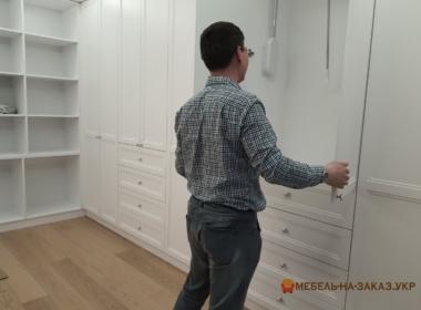 заказать встроенный шкаф в прихожую Киев