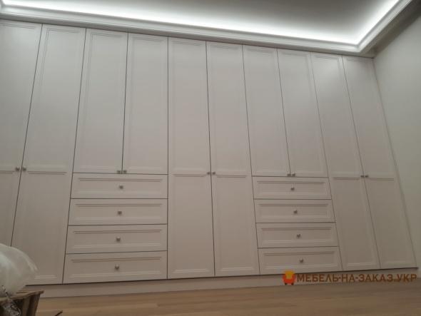 встроенный большой шкаф для спальни