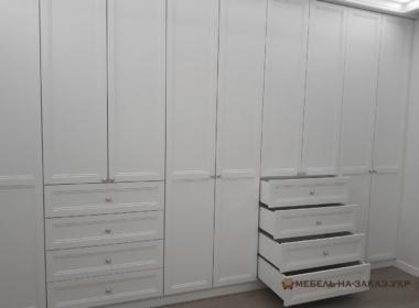 шкаф в гардеробную с пантографом фото
