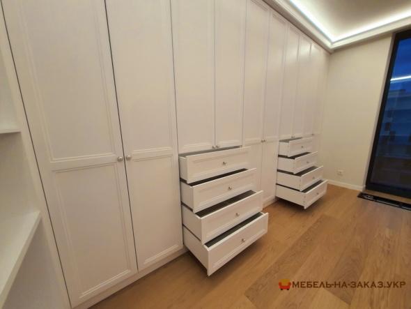 шкаф на всюстену в спальню