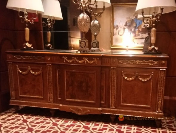 деревянный стол-комод