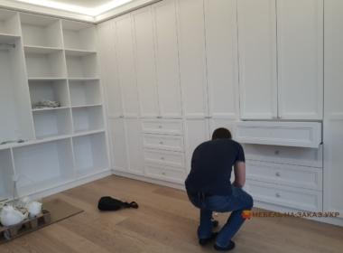 изготовить шкаф в гостинную