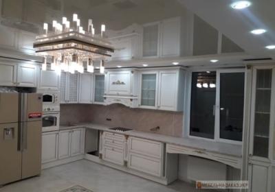 классическая мебель угловая в кухню