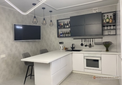дизайн проект угловой кухни бело черного цвета