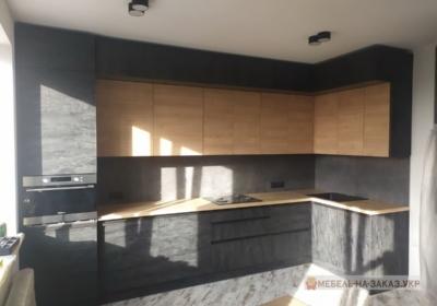 черная угловая кухня