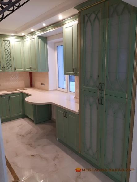 мебель угловая в кухню с кварцевой столешницей