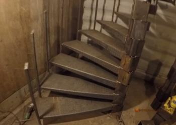 Заказать металлическую лестницу в дом Киев