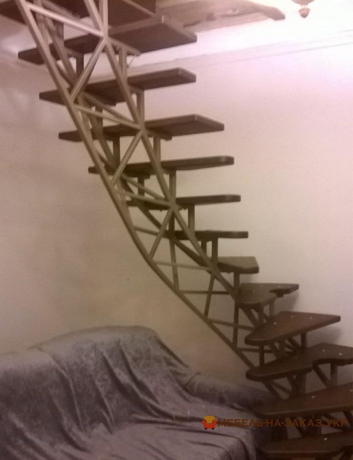 Винтовая металлическая лестница на заказ