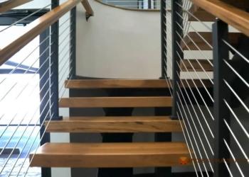 Особенности современных металлических лестниц