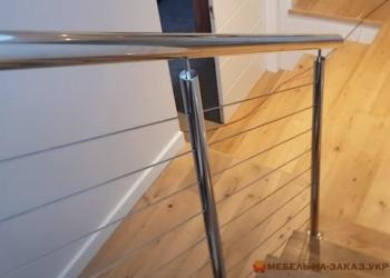 Прямая лестница из металла в офис
