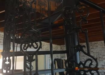 дизайн металлической лестницы