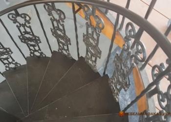 лестница с кованными