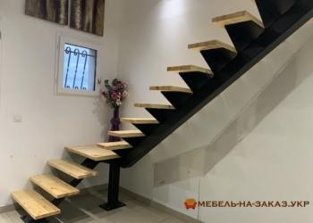 Металлические лестницы на улице на заказ