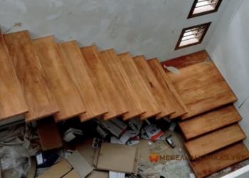 Лестницы на второй этаж на металлическом каркасе фото