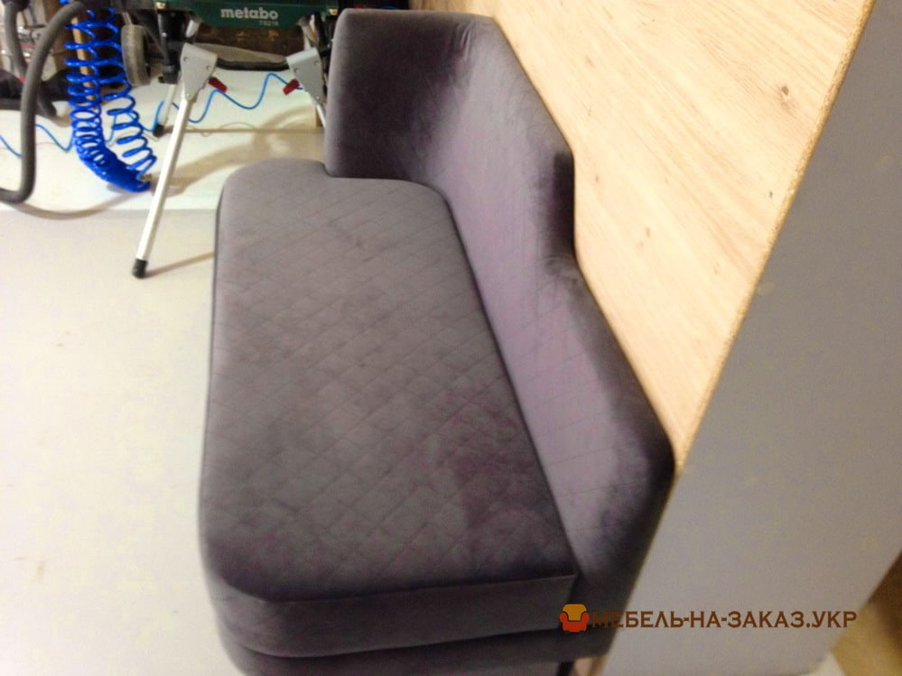 изготовление мягкой мебели на балкон