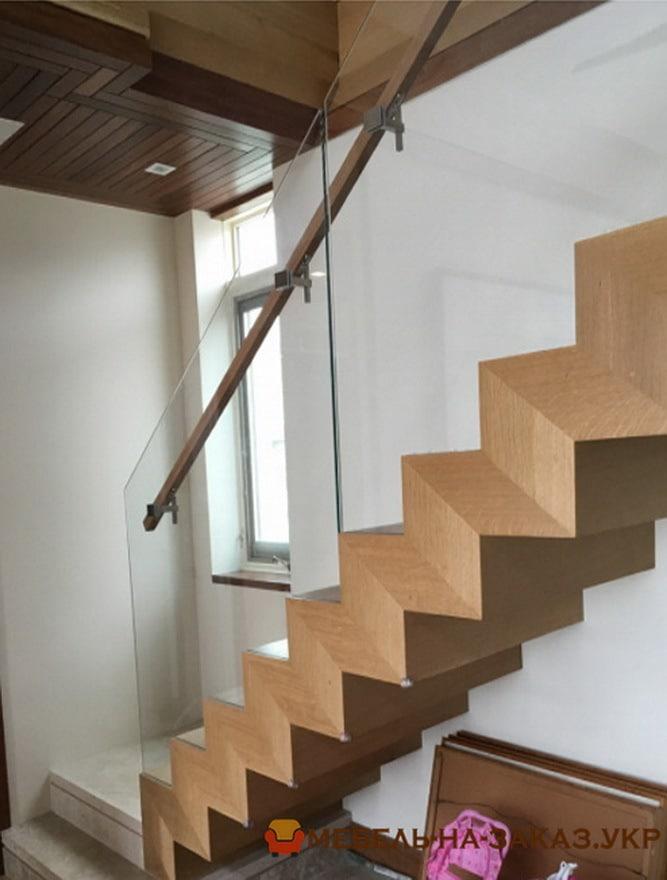 изготовить лестницу со стеклянными перилами БУча