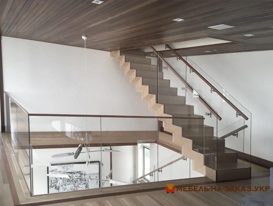 Виробництво сходів з дерева в Бучі