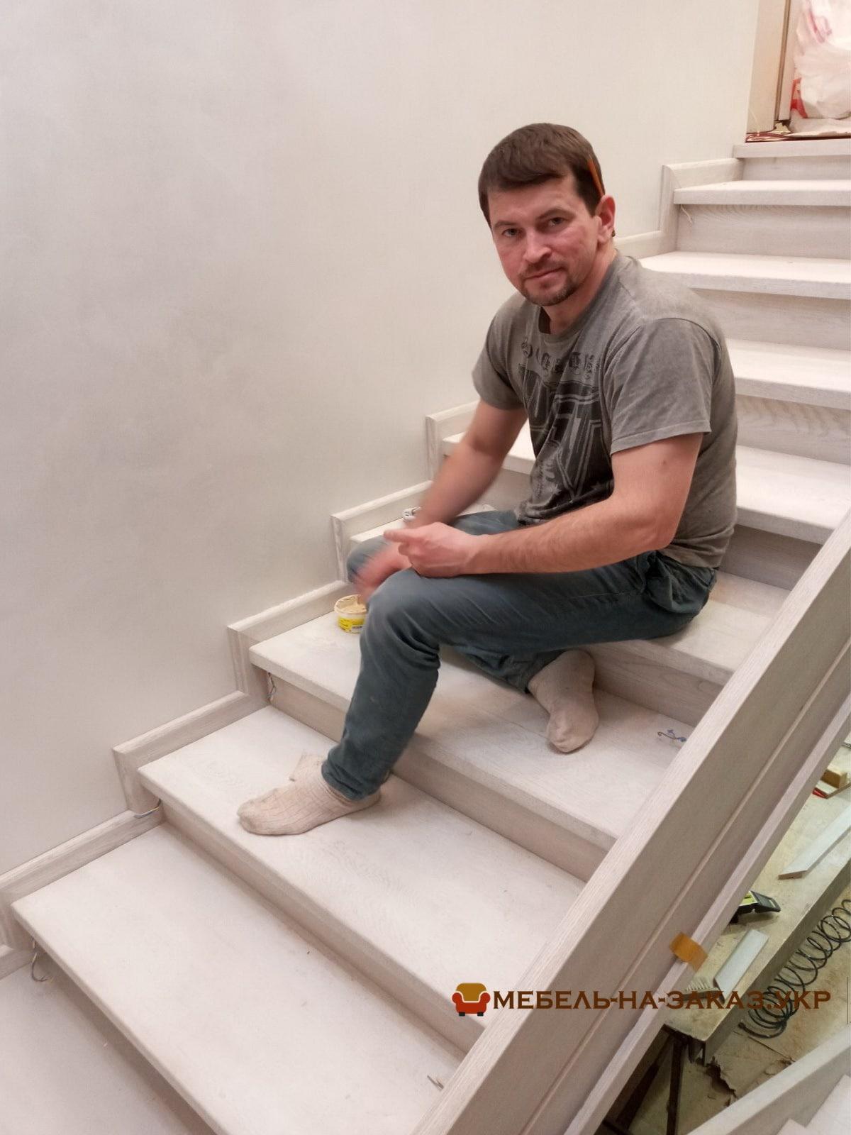 услуги изготовления лестниц в БУче