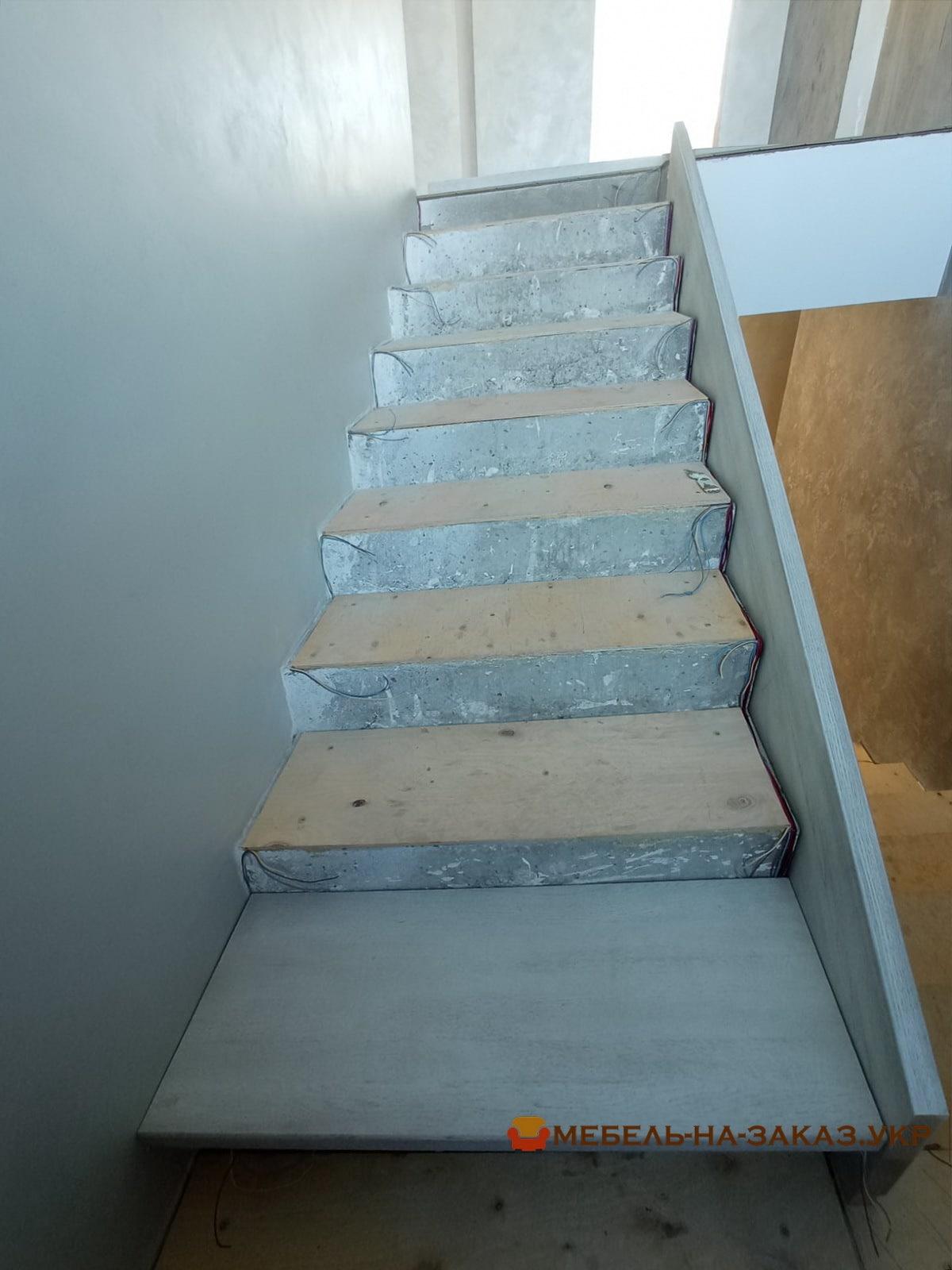 как делают лестницы из бетона и дерева